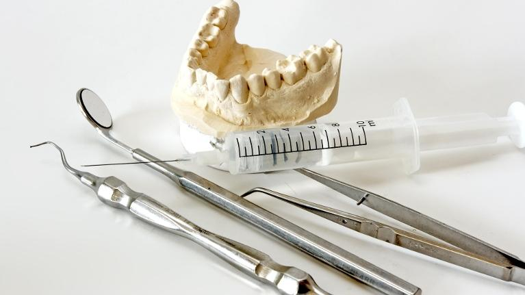 Dental Exam Tools | Dentist in Phoenix AZ
